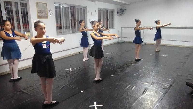 Aula de Ballet Básico Valor Jardim Santa Helena - Aula de Ballet Moderno
