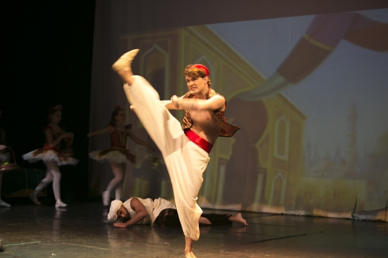 Dança Contemporânea Masculina Valores Jurubatuba - Dança Contemporânea Aula