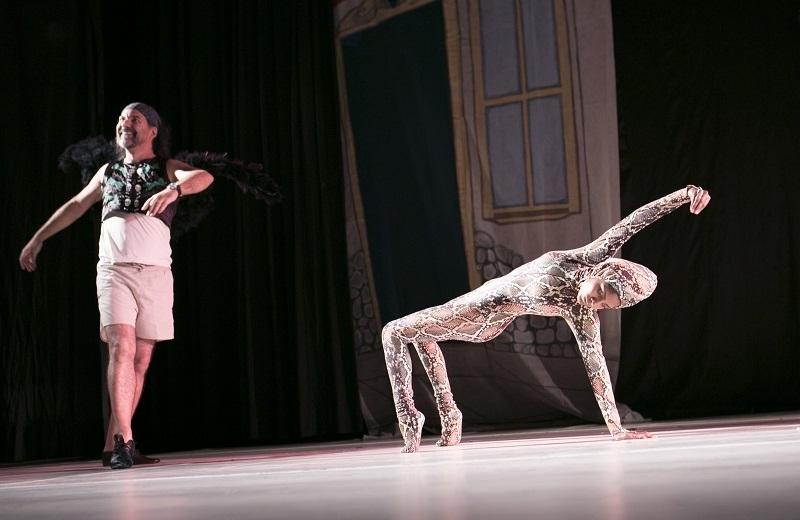 Escola de Dança Contemporânea de Casal Vila Clementino - Dança Contemporânea Masculina