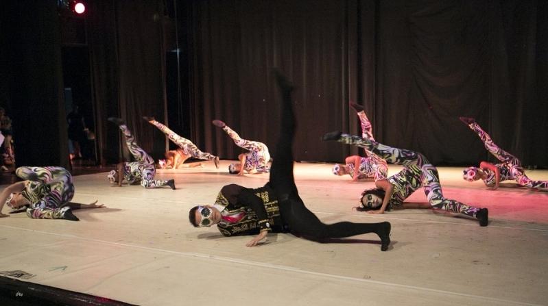 Escola de Dança Contemporânea Escola Jardim Morumbi - Dança Contemporânea de Casal