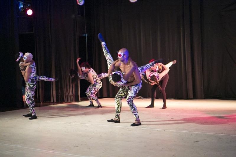 Escola de Dança Contemporânea Iniciante Parque Colonial - Dança Contemporânea de Casal