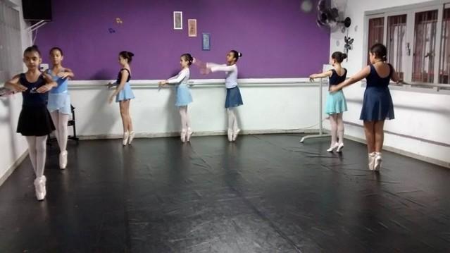 Onde Encontro Aula de Ballet para Iniciantes Parque do Otero - Aula de Ballet Moderno