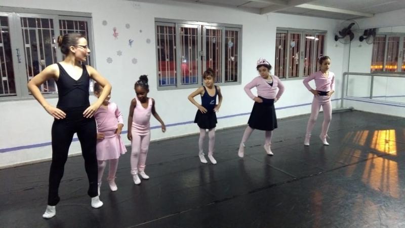Onde Fazer Ballet Infantil para Iniciantes Jardim Morumbi - Aula de Ballet Infantil Avançado